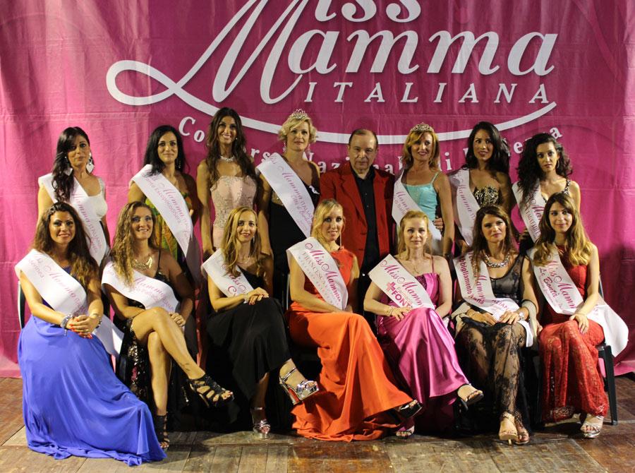 Le vincitrici della selezione Miss Mamma Italiana 2018 a Barletta