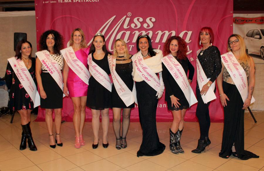 Mamme premiate alla selezione di Miss Mamma Italiana a Pinerolo Torino