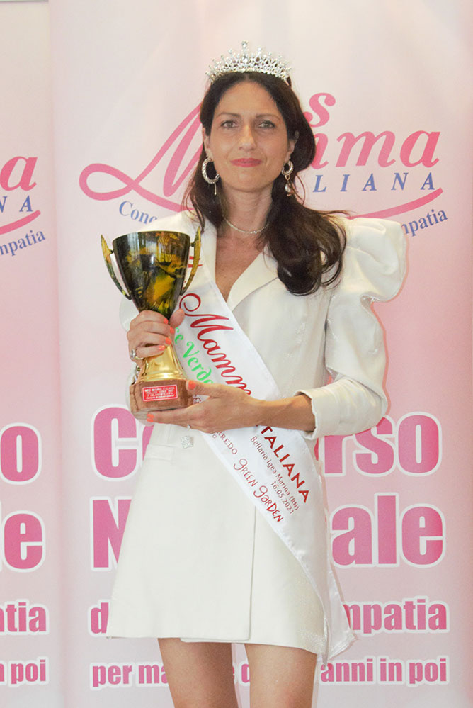 Anna Maria Renna vincitrice Miss Mamma Pollice Verde 2021